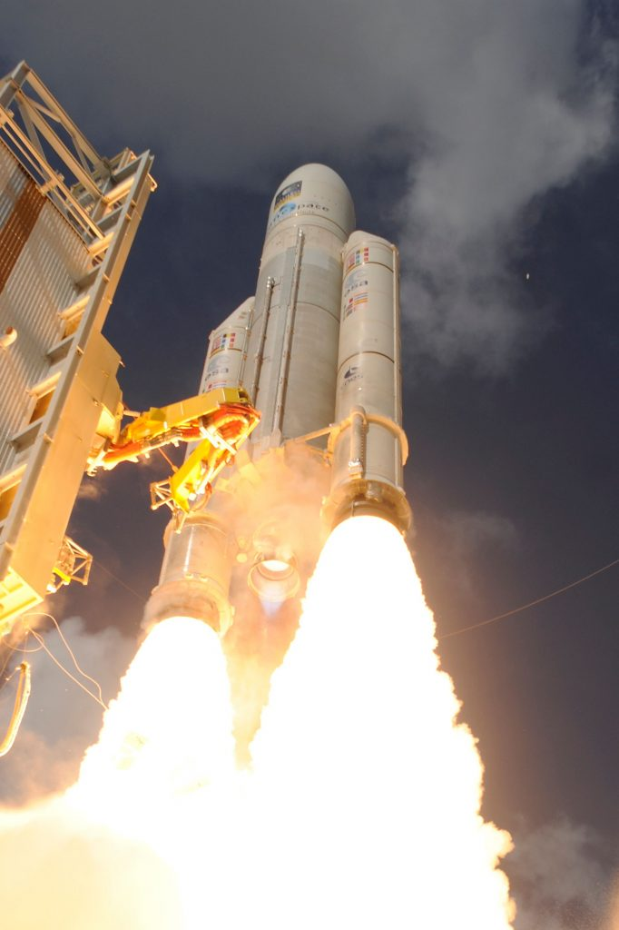 ariane_5_liftoff_on_flight_va233-25