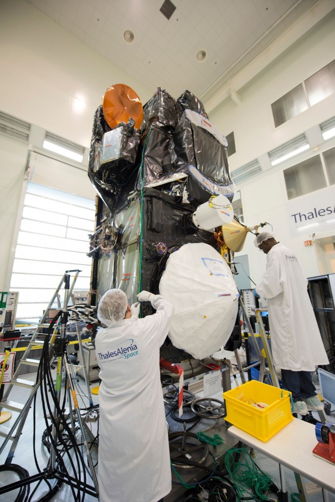 Sentinel-3A_satellite_in_Cannes_France2