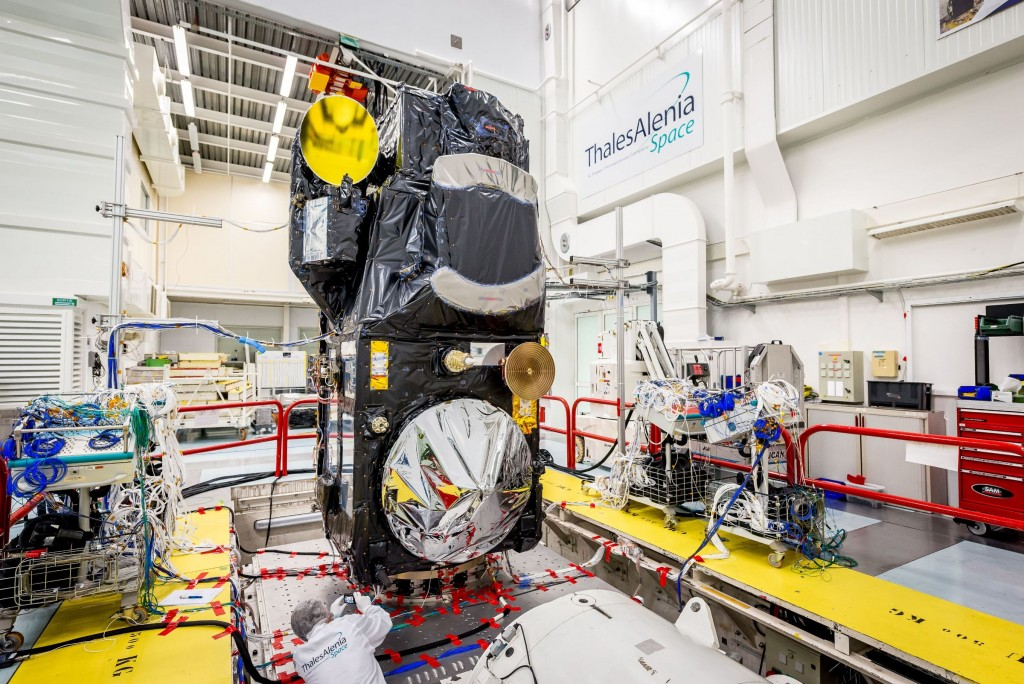 Sentinel-3_in_the_cleanroom