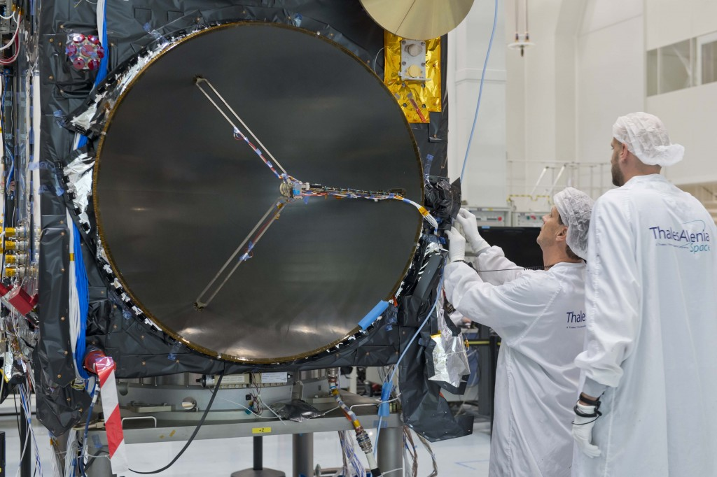 Sentinel-3_in_the_cleanroom8