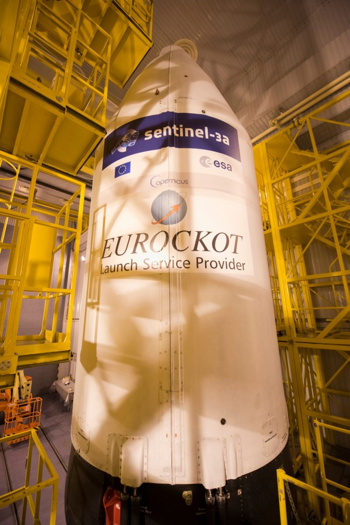 The_Sentinel-3A_logo_has_been_applied_to_the_Rockot_fairing4