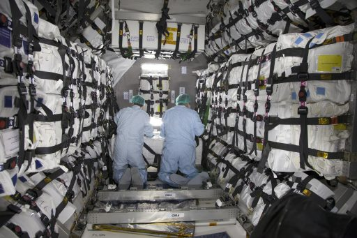 Inside the Cargo Carrier of Cygnus - Photo: NASA Kennedy