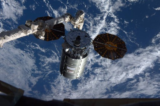 Cygnus arrives at the Space Station - Photo: NASA