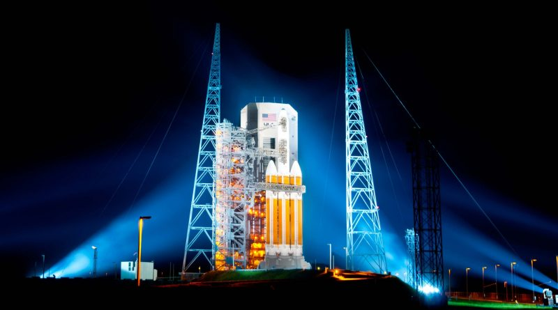Rollback of Delta IV Heavy NROL-15 Cape Canaveral AFS