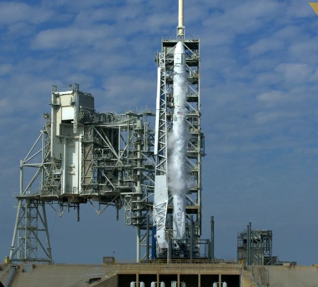 falcon 9 stood fully fueled at the moment the countdown was aborted photo spacex webcast