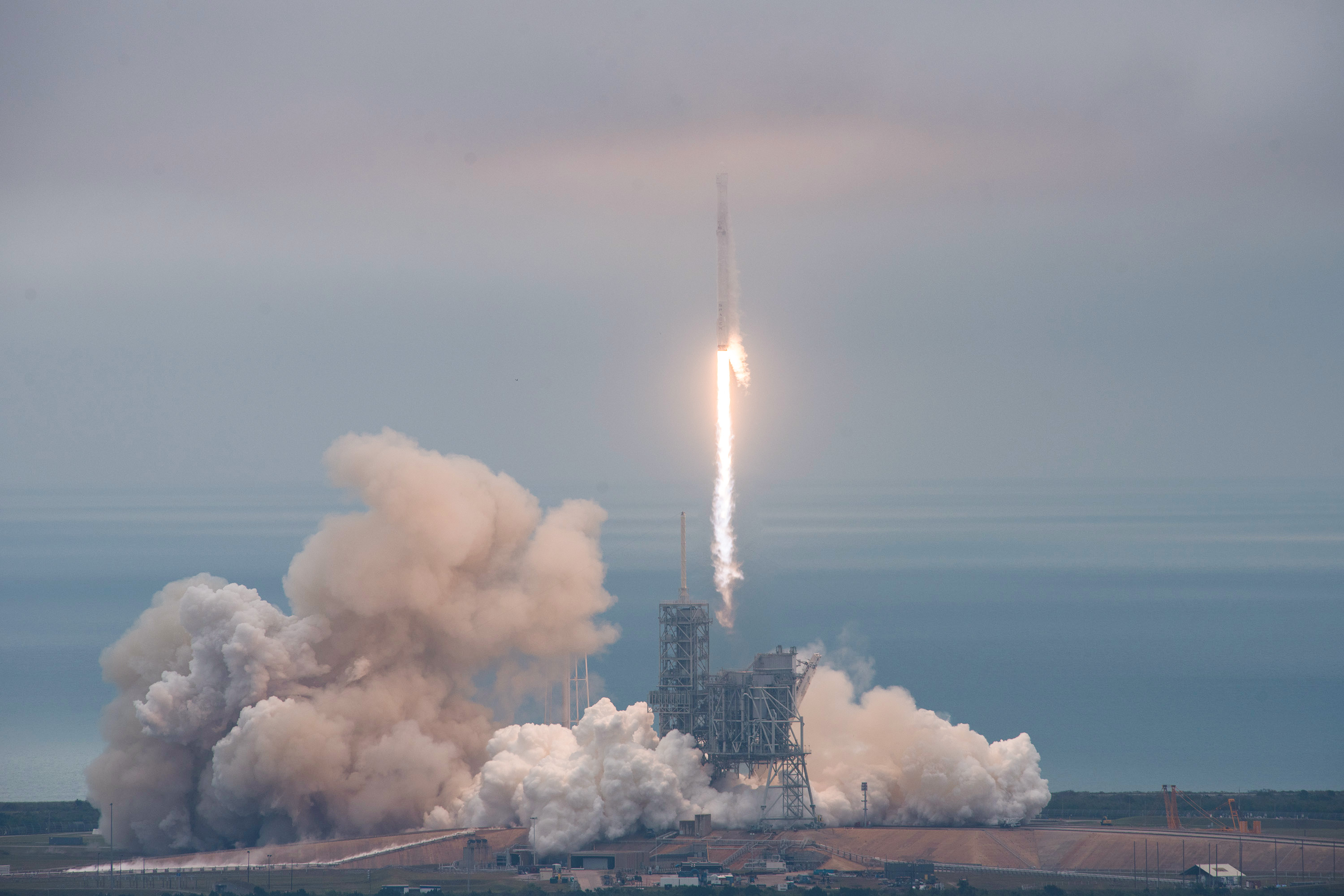 Falcon 9 lifts off on Debut Mission from Kennedy Space