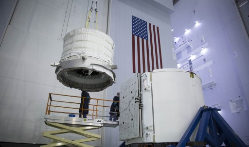 BEAM being lifted into Dragon's Trunk - Photo: SpaceX