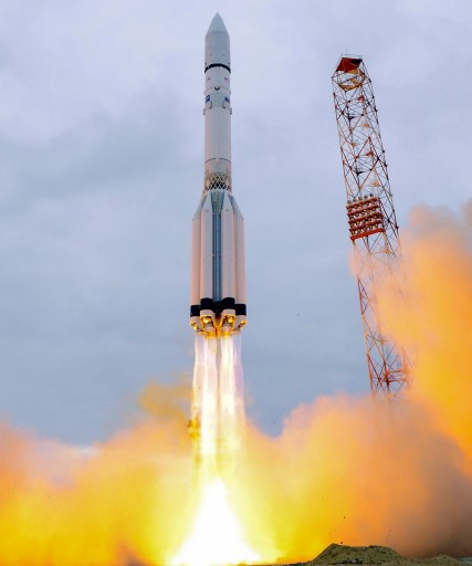 Proton-M takes flight for a Mission to Mars - Photo: ESA/Stephane Corvaja