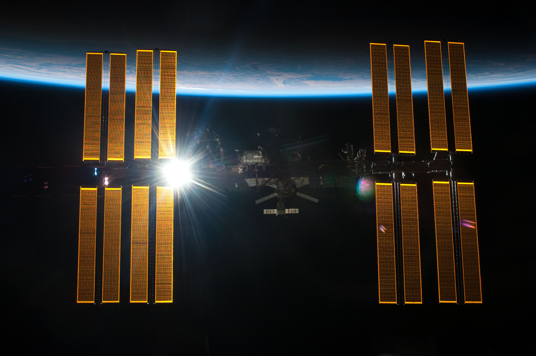 Iss Robots Successfully Replace Critical Power Switching Unit Faulty Circuitbreaker Box On The Orbiting Lab Maneuver Marks Big Picture Mbsus Role In Space Station System