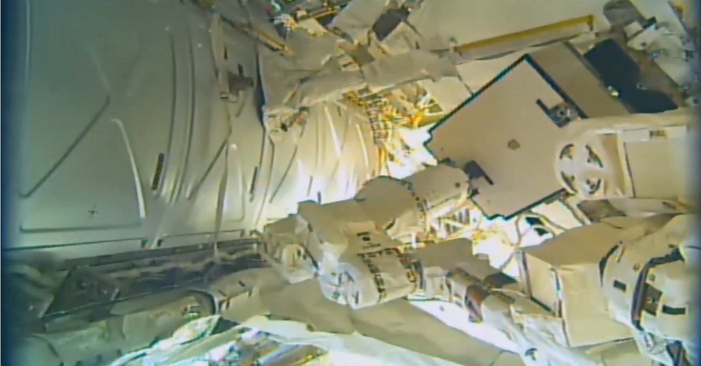 Iss Robots Successfully Replace Critical Power Switching Unit Faulty Circuitbreaker Box On The Orbiting Lab Maneuver Marks Installation Of Spare Photo Nasa Tv