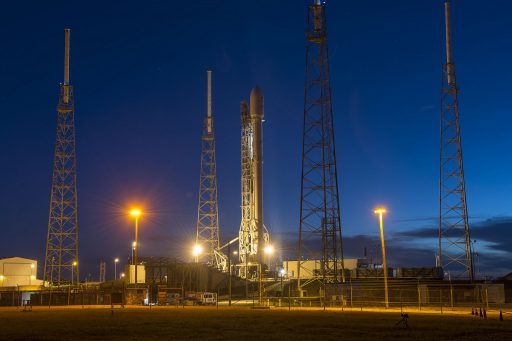 Falcon 9 at the SLC-40 launch complex - Photo: SpaceX (JCSat-16 Mission)