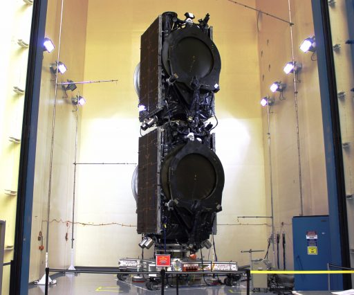 Eutelsat 117 West B & ABS 2A in stacked launch configuration - Photo: SpaceX