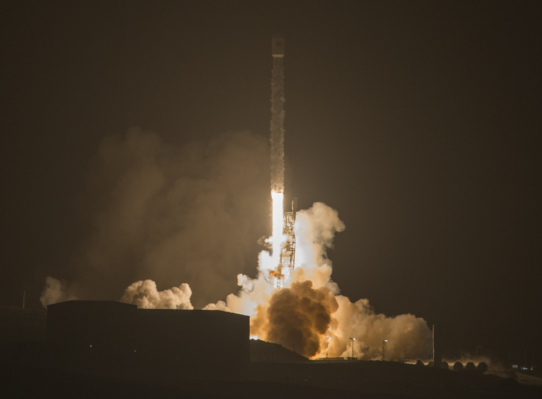 Falcon 9 Delivers 3rd Iridium-NEXT Satellite Batch, 1st Stage