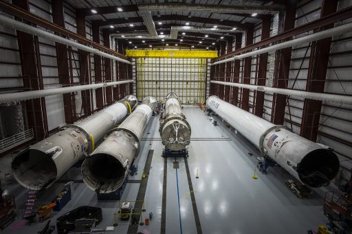 Returned cores in LC-39A HIF - Photo: SpaceX
