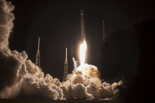 Falcon 9 blasts off with JCSat-16 - Photo: SpaceX