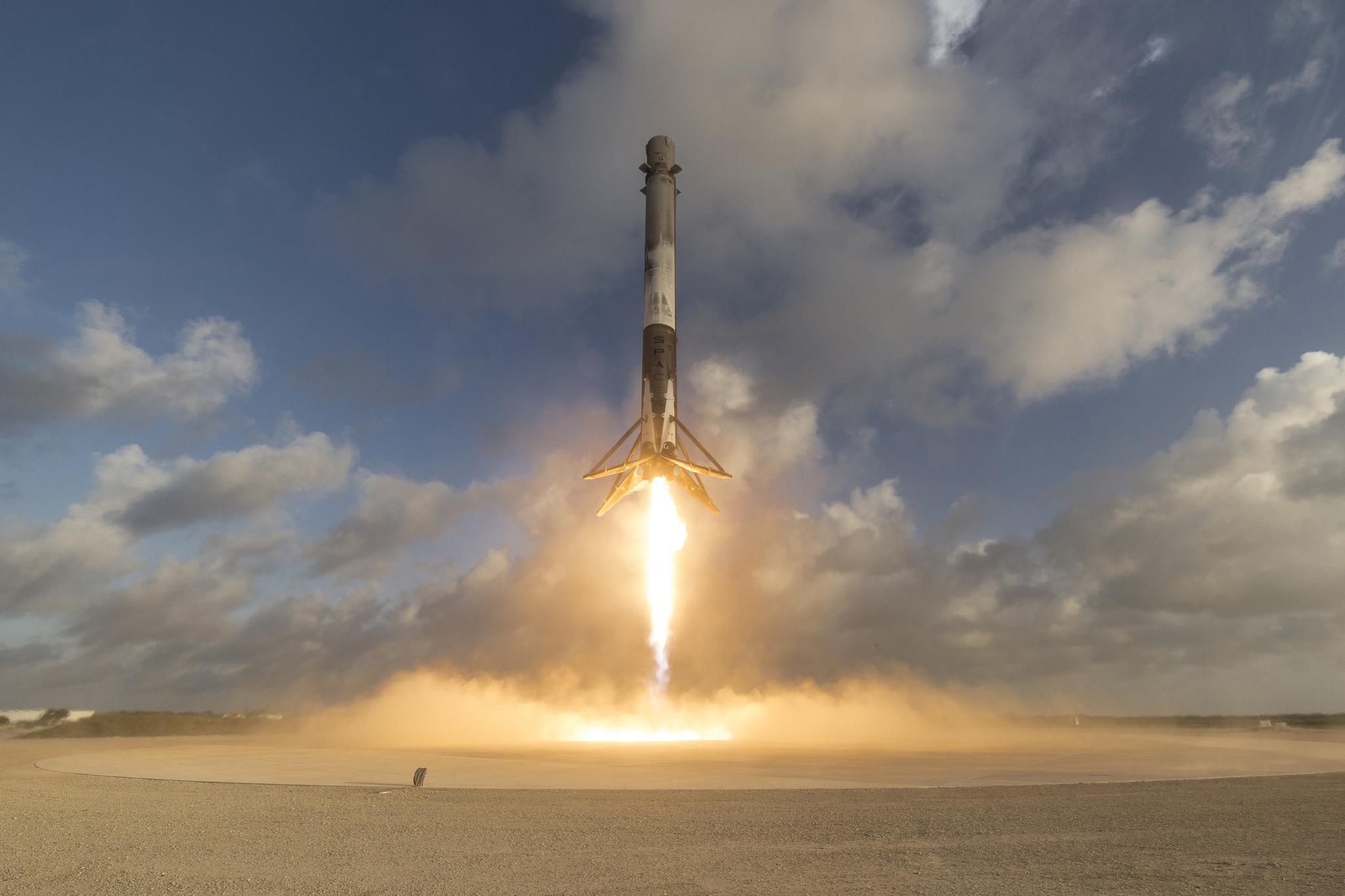 Falcon 9 Soars to Orbit with Secret Government Satellite ...