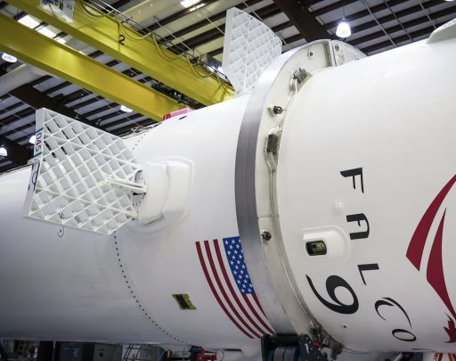 Falcon 9 with Grid Fins – Photo: SpaceX