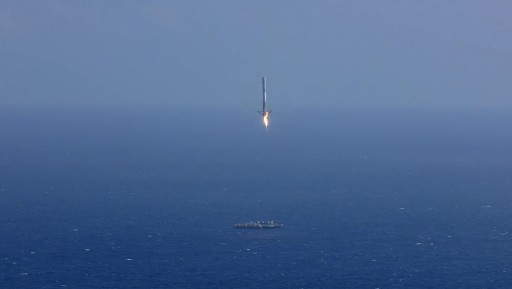 Falcon 9 Booster on Approach to Landing atop the Autonomous Spaceport Drone Ship - Photo: SpaceX