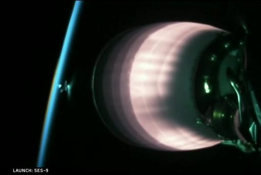 Falcon 9 films its own exhaust after orbital insertion - Photo: SpaceX Webcast
