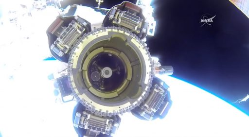 Canadarm2 LEE-A - Photo: NASA TV