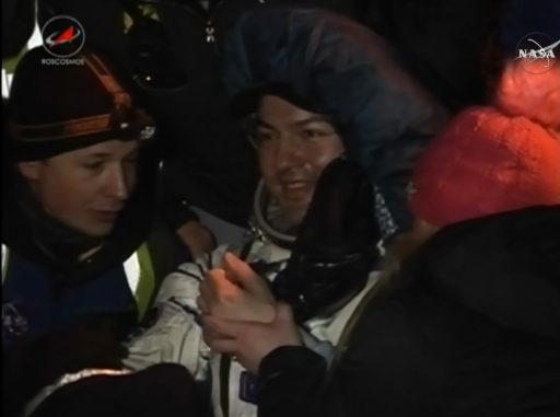 Kjell Lindgren after being extracted from the Soyuz - Photo: NASA TV