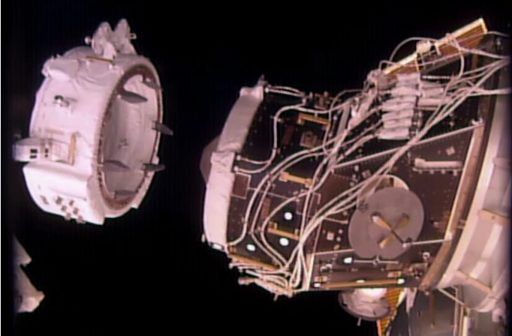 IDA-2 in its pre-install position - Photo: NASA TV