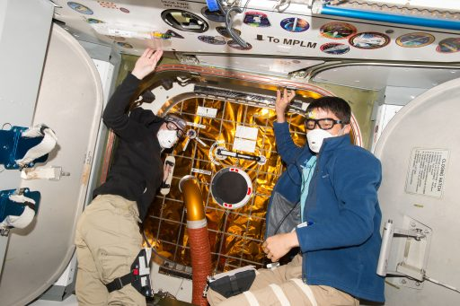 Dragon Vestibule Outfitting after arrival - Photo: NASA