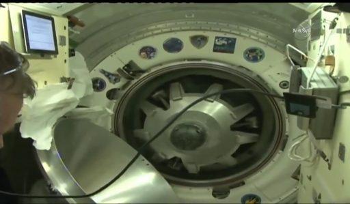 Soyuz/ISS Hatch Closure - Photo: NASA TV
