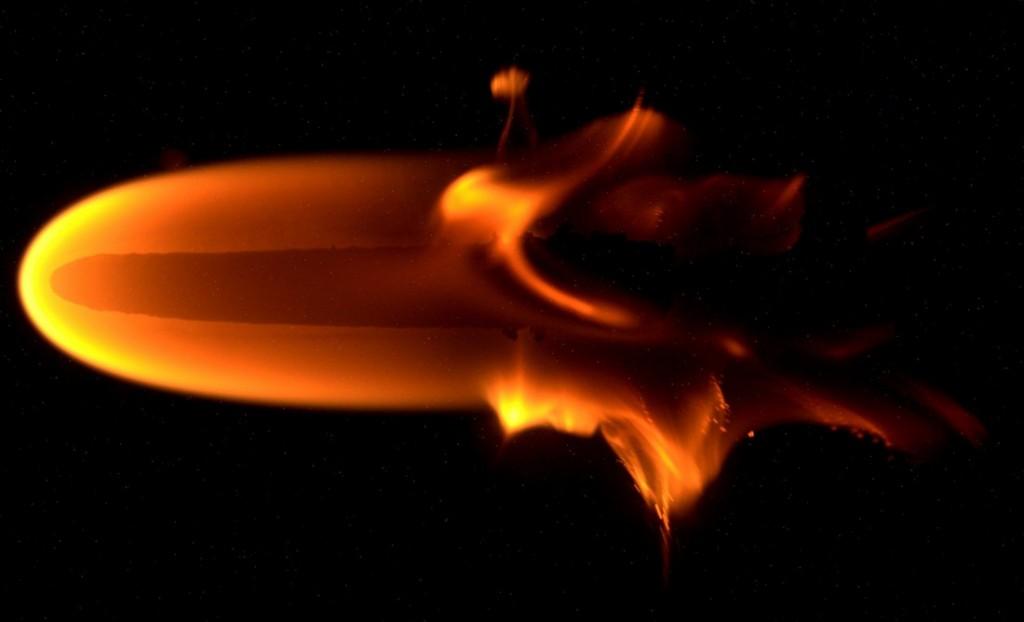 BASS-II Microgravity Flame Experiment - Photo: NASA/ESA
