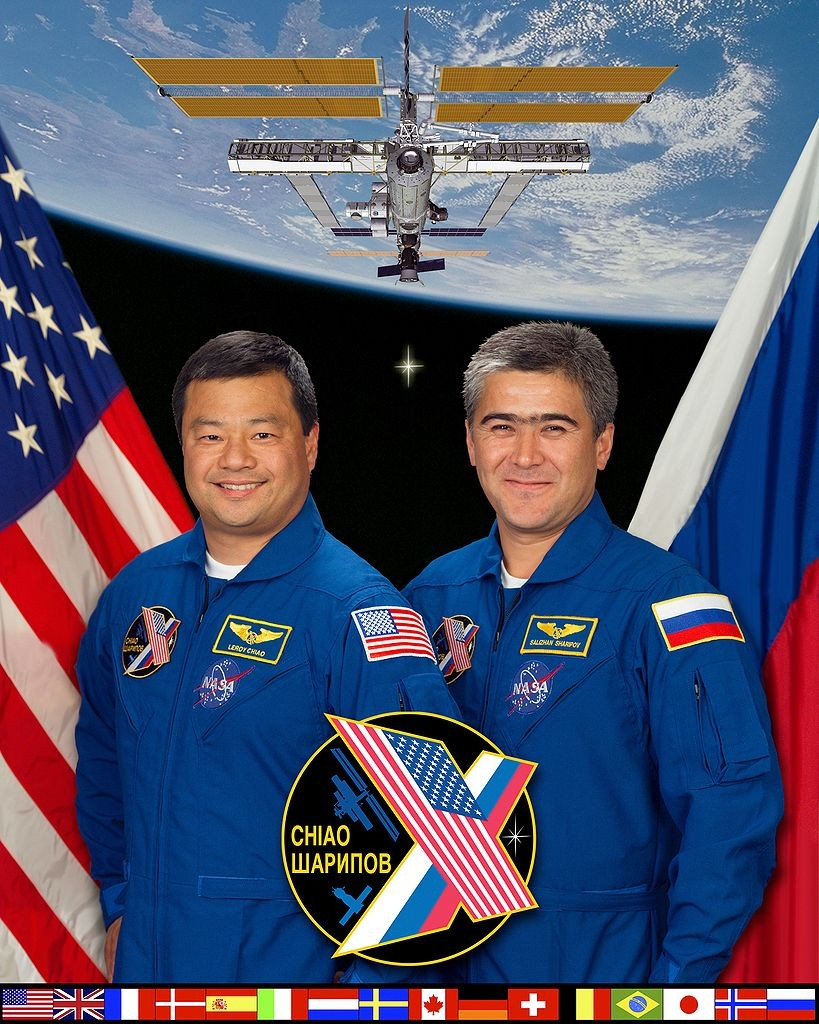819px-ISS_Expedition_10_crew
