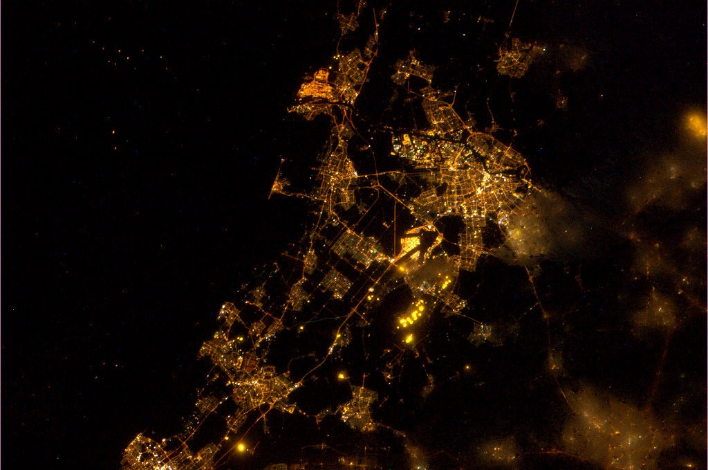 Amsterdam_and_surroundings_as_seen_from_the_ISS