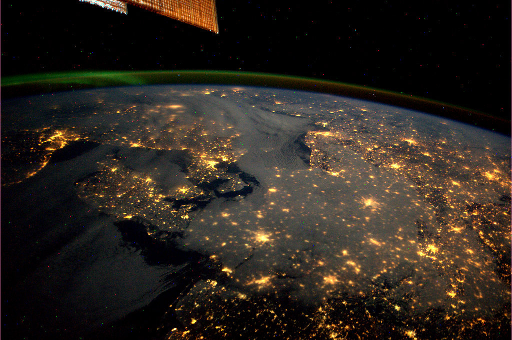 Earth at Night – Spaceflight101 – International Space Station