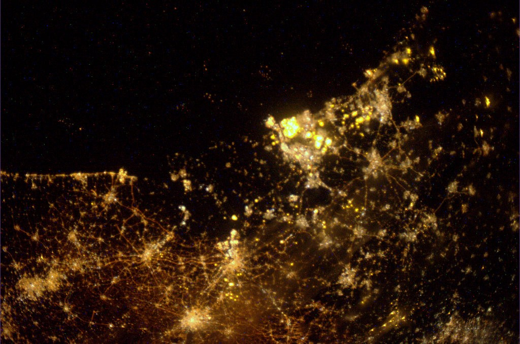 Holland_by_night_as_seen_from_the_ISS