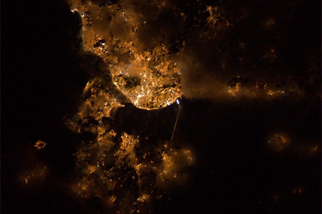 Lisbon_by_night