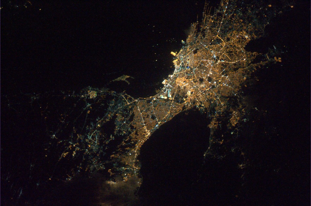 Manila_by_night