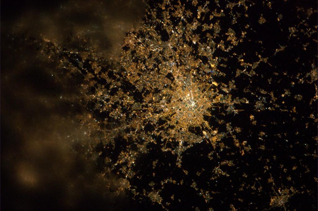 Milan_by_night