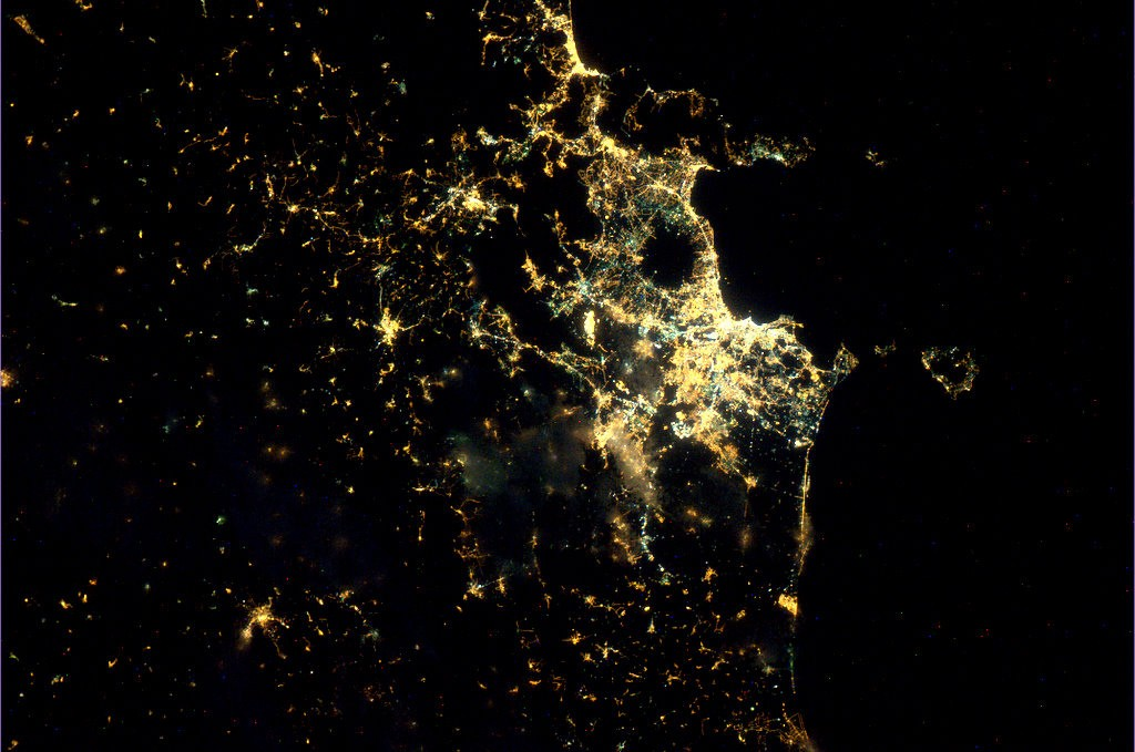 Naples_by_night