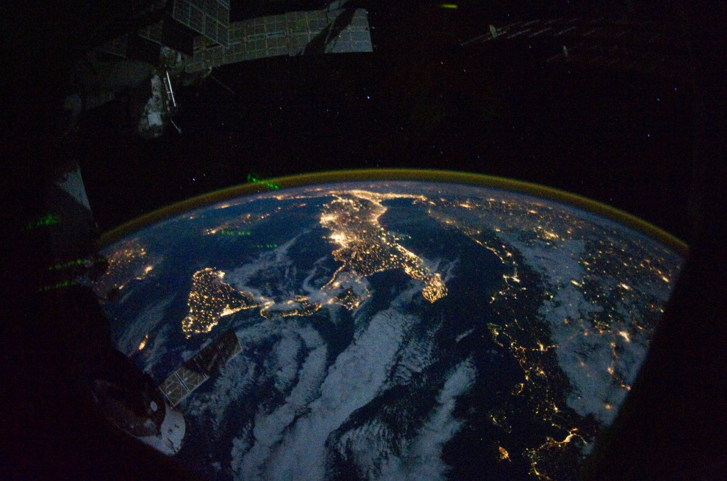 Night_lights_from_the_ISS