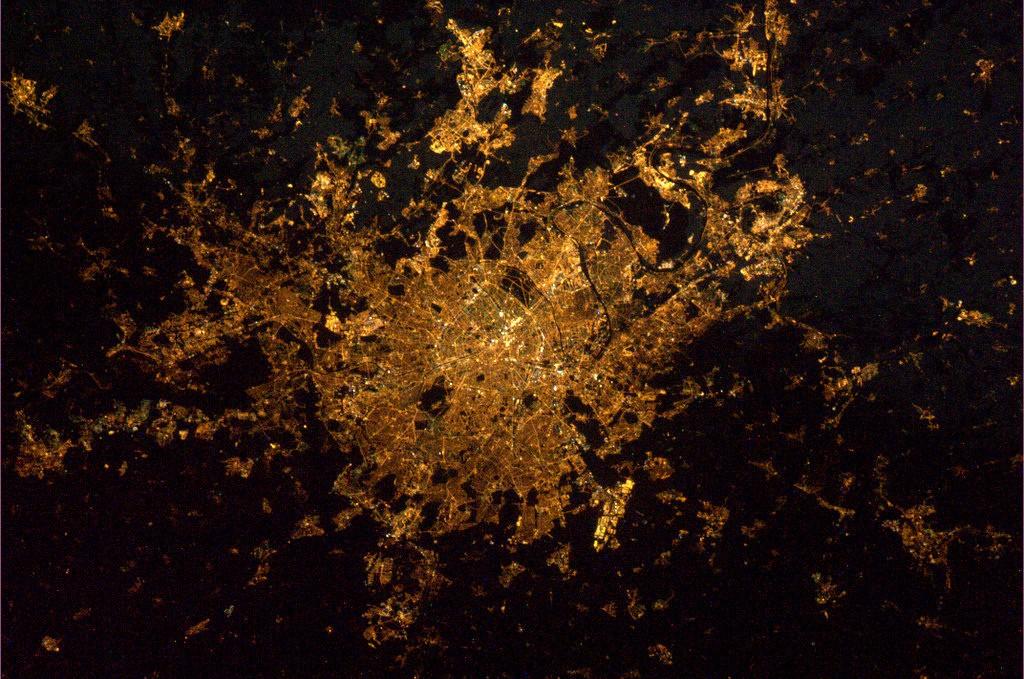 Paris_by_night