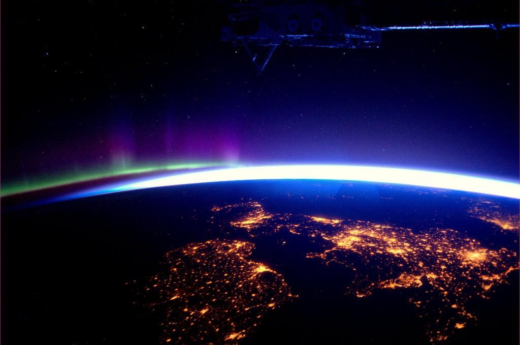 The_UK_and_Ireland_at_night