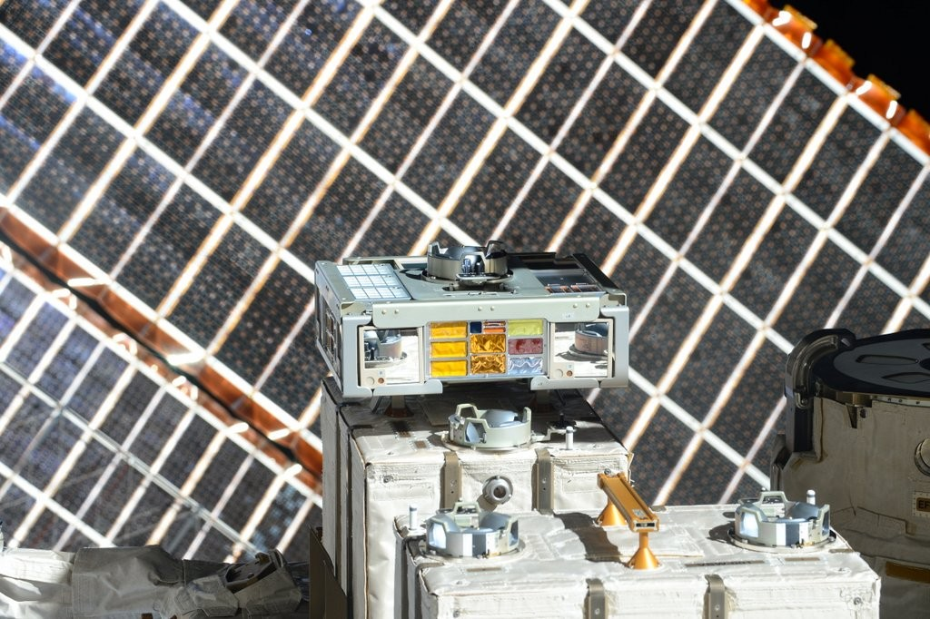 ExHAM on the outside of ISS. - Photo: NASA/JAXA