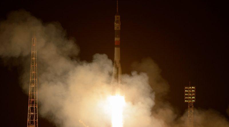 Soyuz blasts off in freezing Temperatures, delivers International Crew Trio safely to Orbit