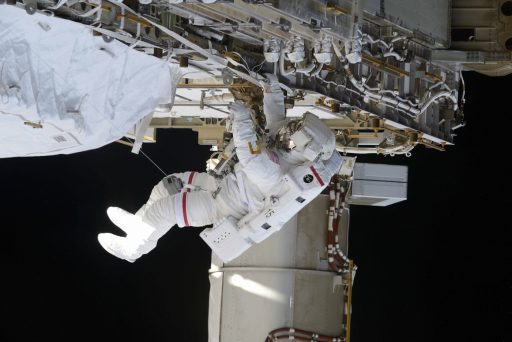 Williams working out on the Station's Truss during last Thursday's EVA - Photo: Roscosmos