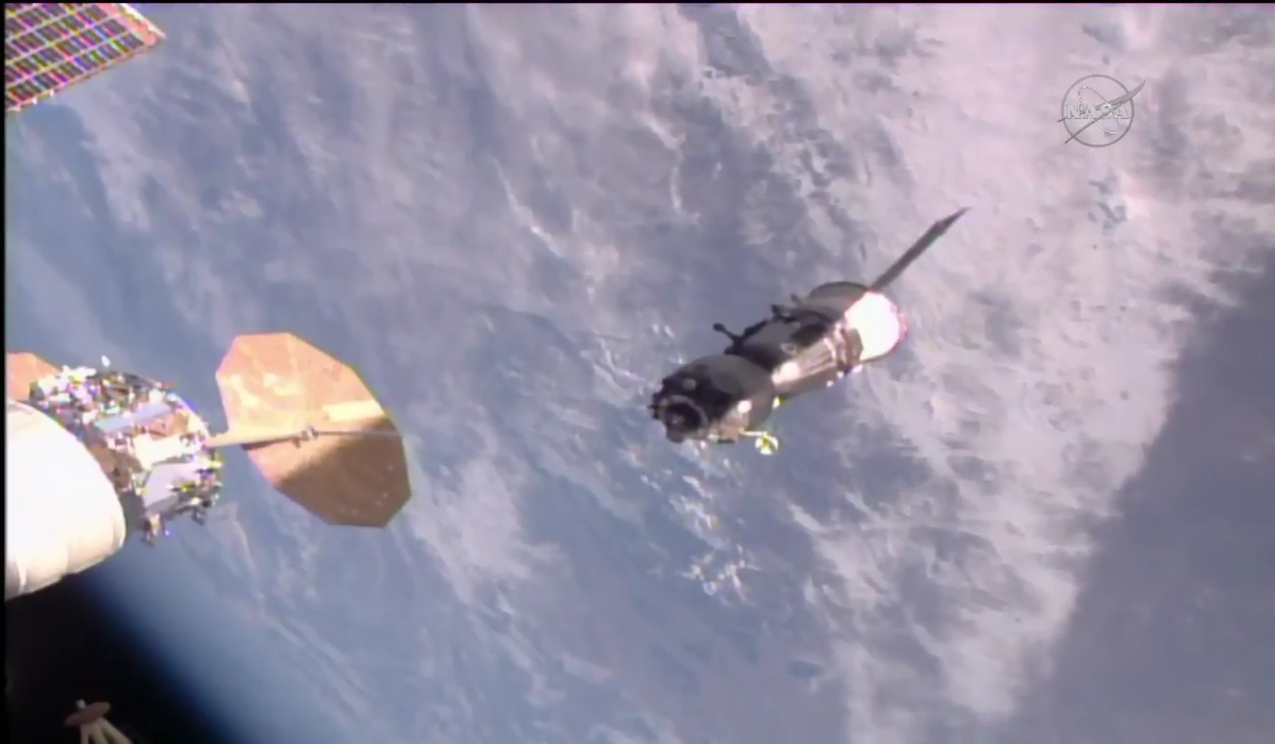 Soyuz Crew begins Overnight Return to Earth with on-time ISS Departure – Spaceflight101 ...