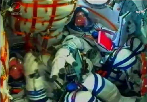 Photo: Tsenki/Roscosmos/NASA TV