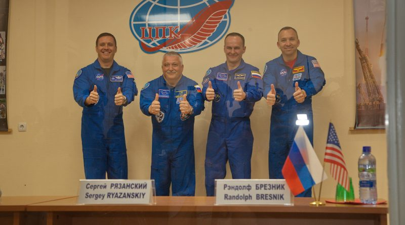 Russian-American Crew Duo on the Eve of Liftoff on 136-Day Space Mission