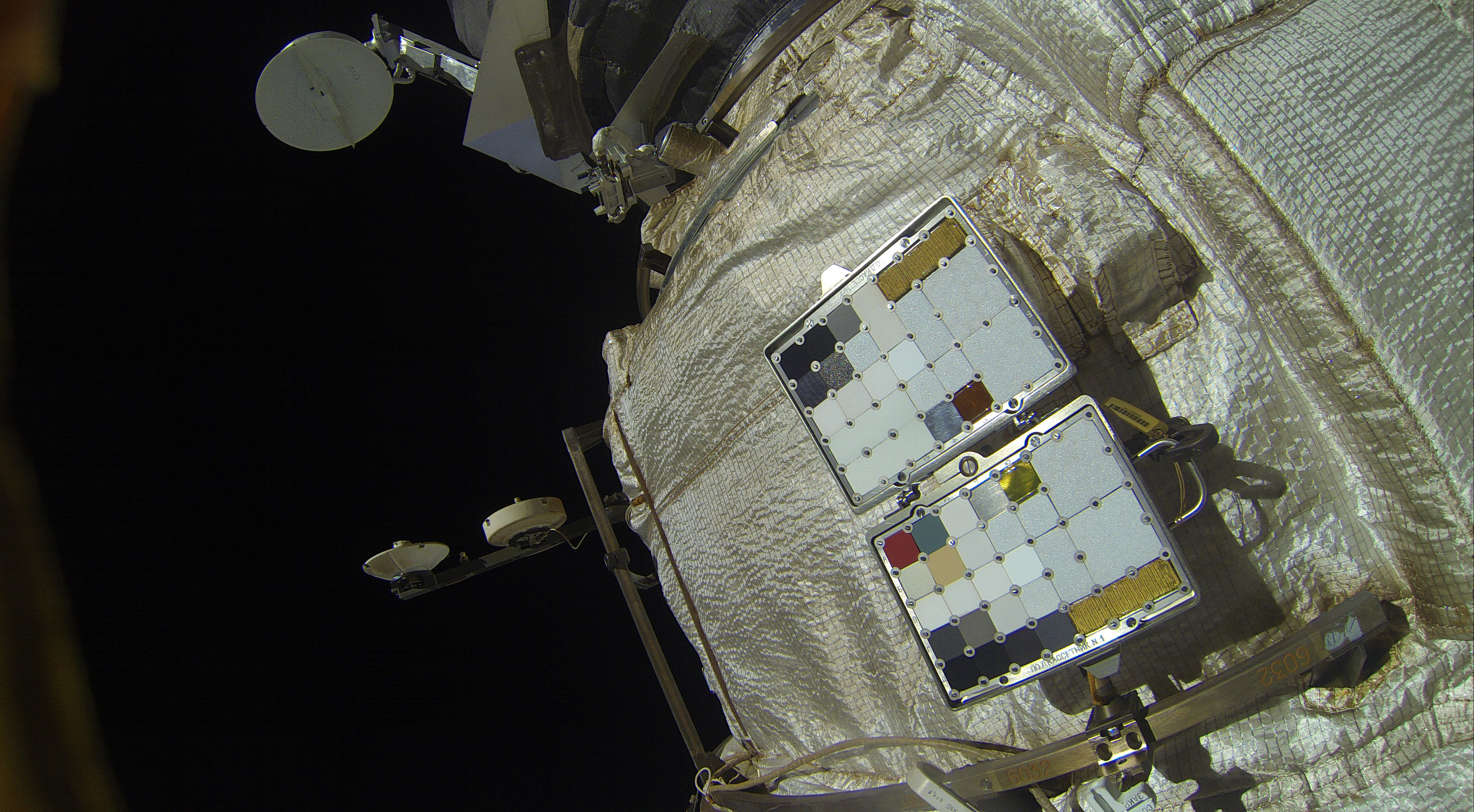 Gallery: Russian Cosmonauts Work Overtime Outside Space ...