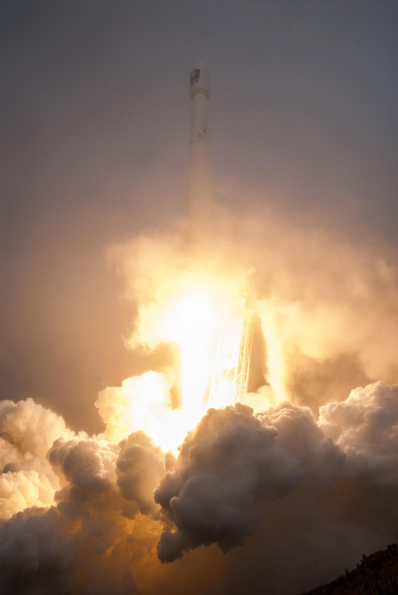 fort spacexs jason 3 satellite - HD1371×2048