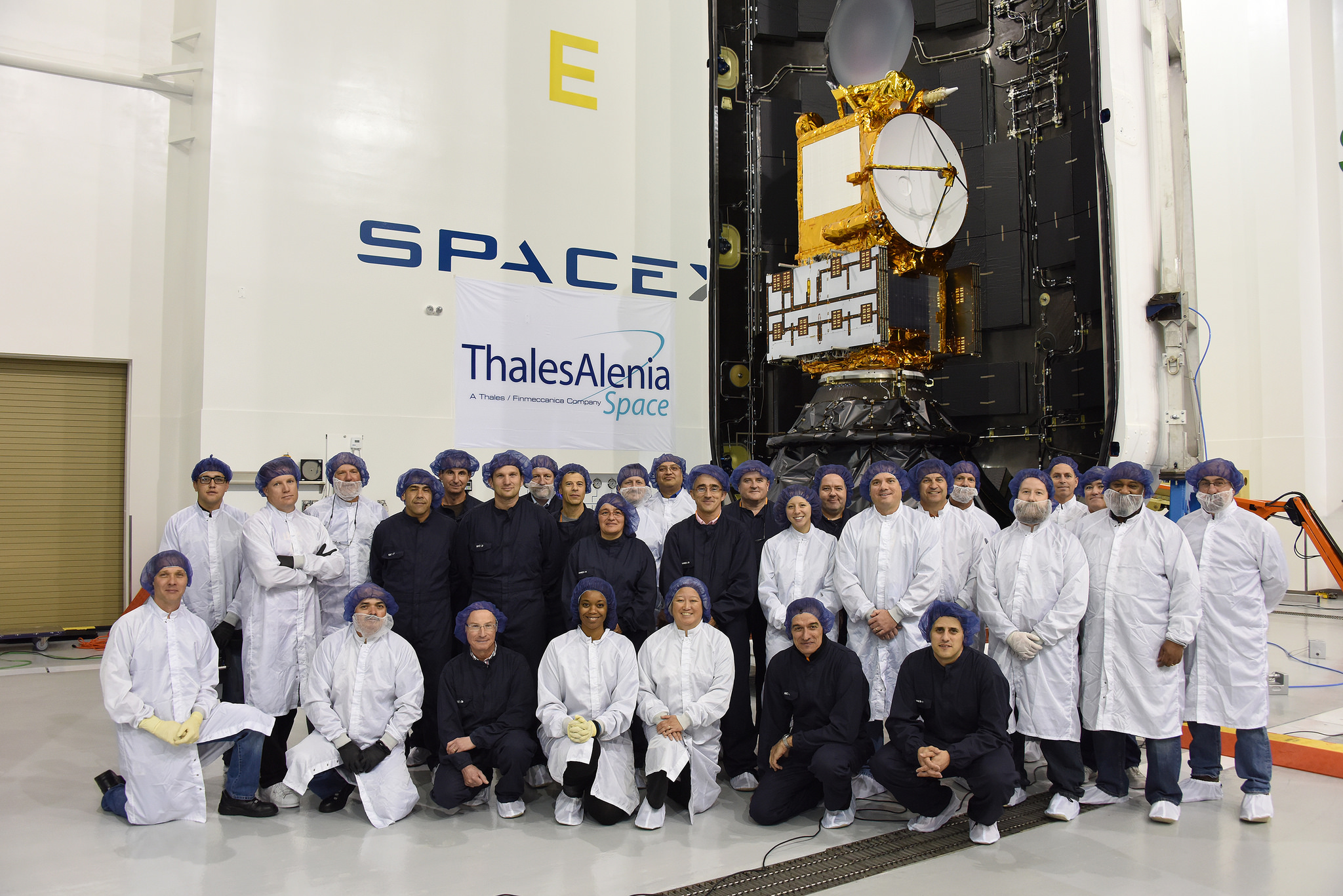satellite radar paz thales