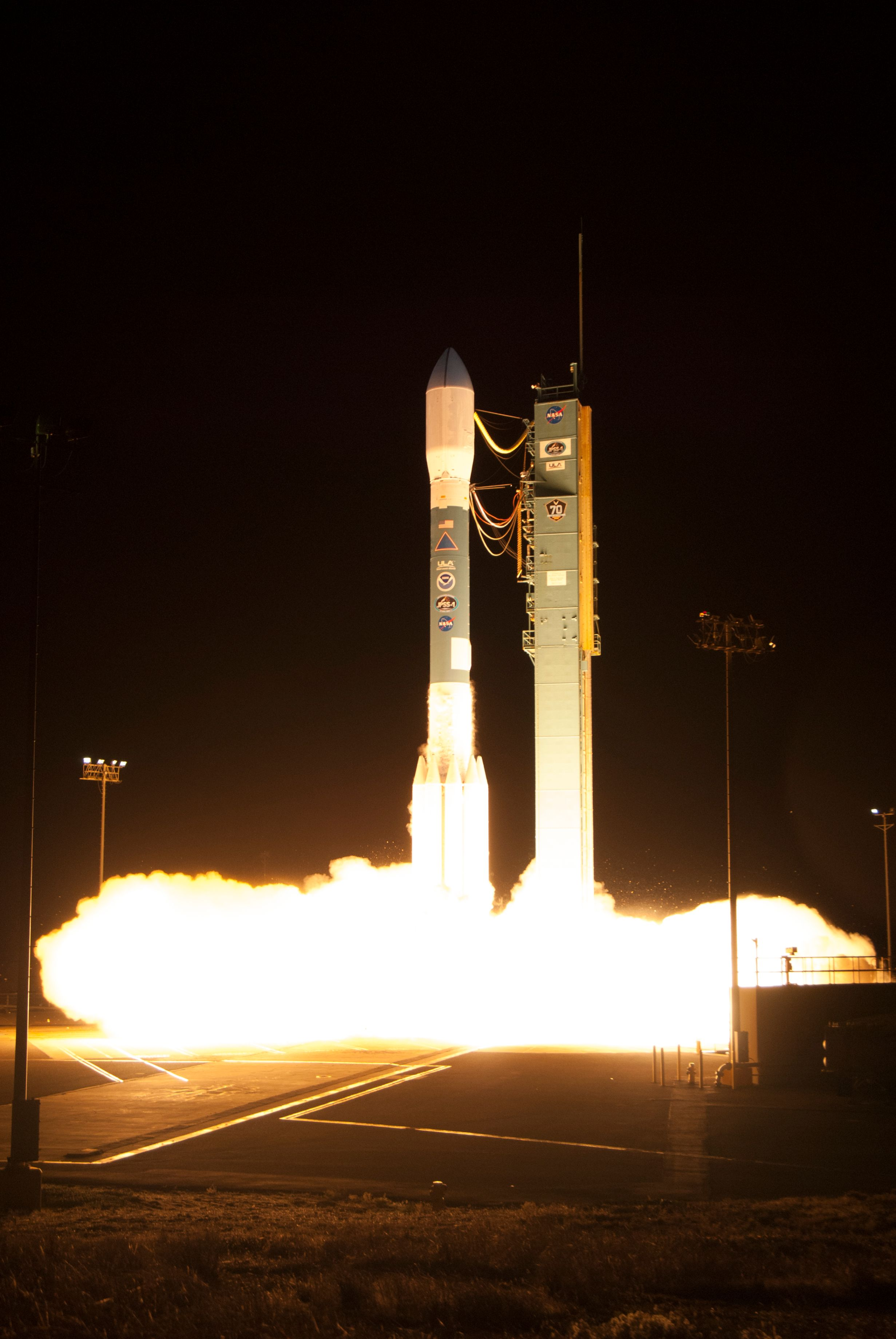 Photos Delta Ii Thunders Into The Night With Jpss 1